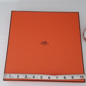 10.5 ×10.5×1.6 in Hermes Box Only no dustbag